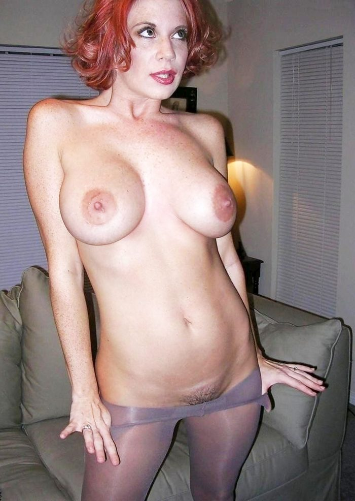 Great looking mature with tights pulled down.